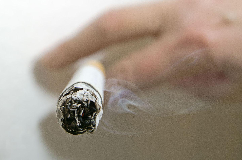 Reggel nem hagyom abba a dohányzást, Nem hagyom abba a dohányzást reggel
